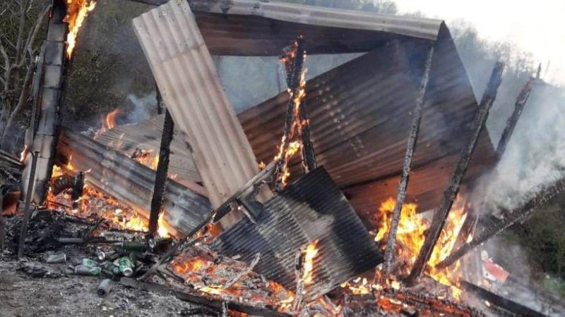 Baraka alev alev yanarak küle döndü