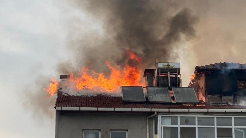 Bursa'da yangın: Apartman tahliye edildi