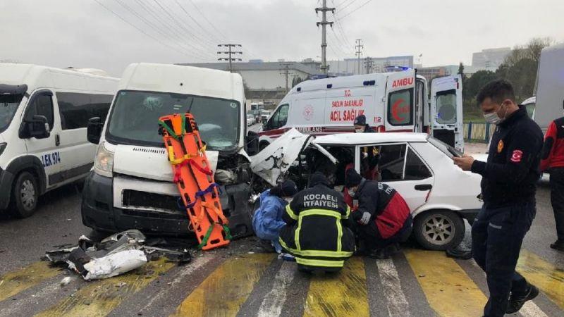 Kocaeli'nde kaza: 1'i ağır 4 yaralı