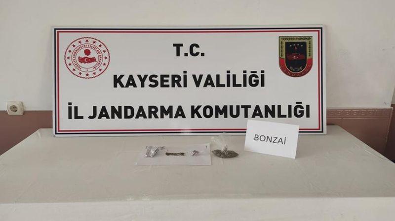 Kayseri'de uyuşturucu satıcıları gözaltına alındı