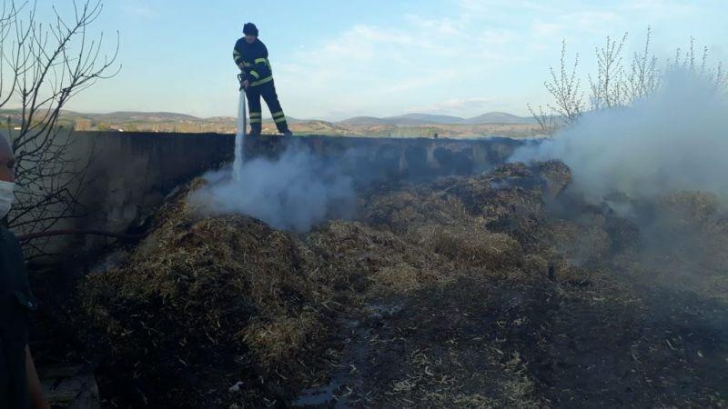 Amasya'da samanlık yangını: 20 ton saman kül oldu