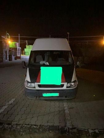 Bitlis'te minibüsten 68 düzensiz göçmen çıktı