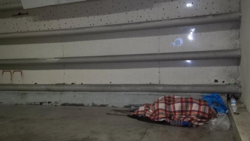 Bursa'da yaşayan evsiz kadın izleyen herkesi ağlattı
