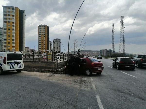Kayseri'de trafik kazası iki otomobil çarpıştı