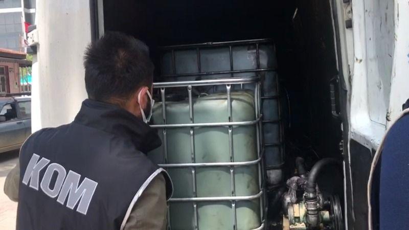 İzmir'de tonlarca kaçak akaryakıt bulundu