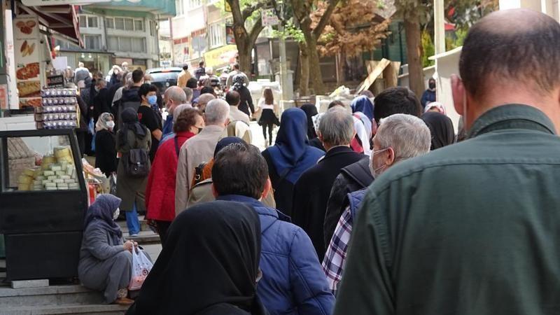 Bursa'da tam kapanma öncesi et kuyruğu