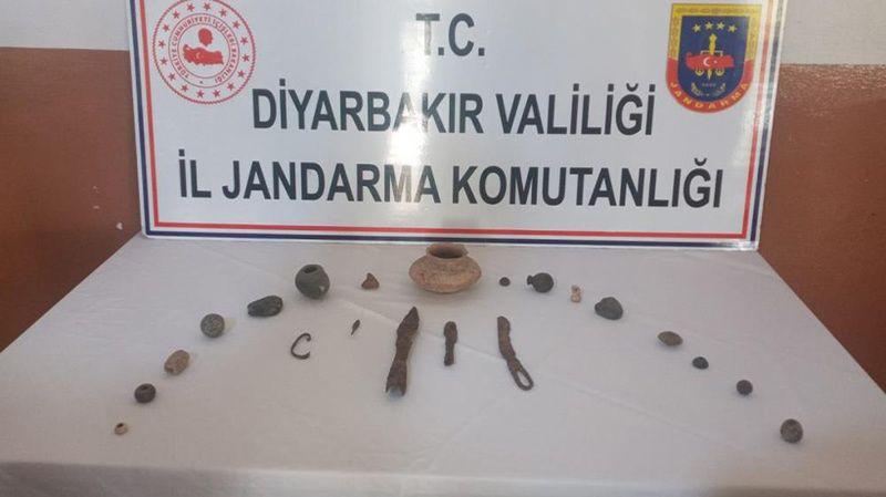 Diyarbakır'da tarihi eser satan şahıslar yakalandı