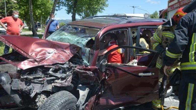 Bursa'da kontrol noktasında kaza