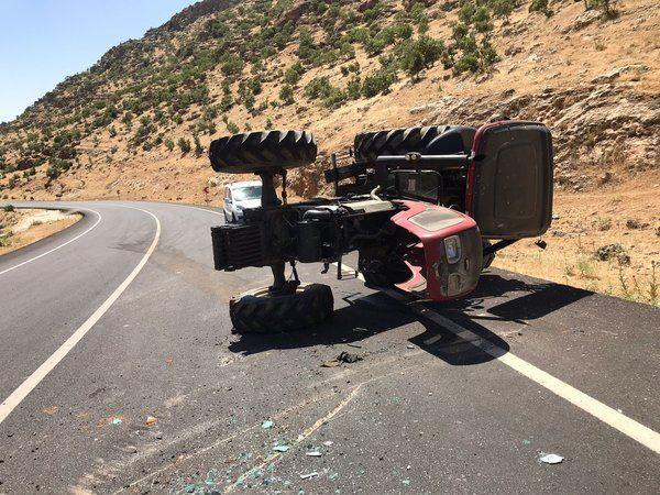 Şırnak'ta traktör ikiye ayrıldı