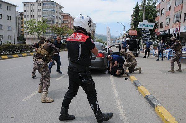 Trabzon'da gerçeği aratmayan soygun tatbikatı