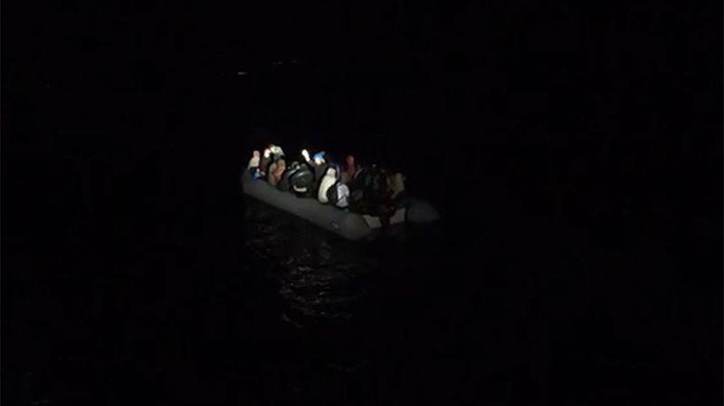 Balıkesir'de 28 düzensiz göçmen kurtarıldı