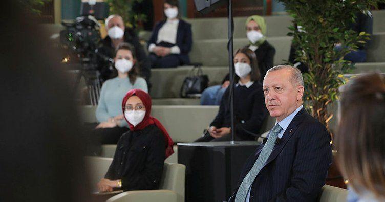 Cumhurbaşkanı Erdoğan gençlerle kütüphanede buluştu