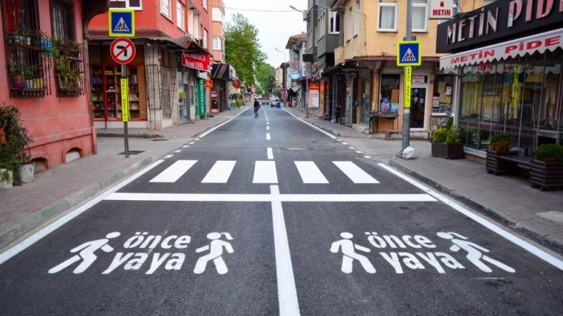 Bursa Mudanya'da caddeler temizlendi