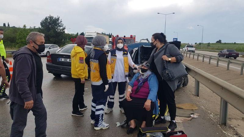 Bursa'da İzmir karayolu otobanında kaza: 7 yaralı