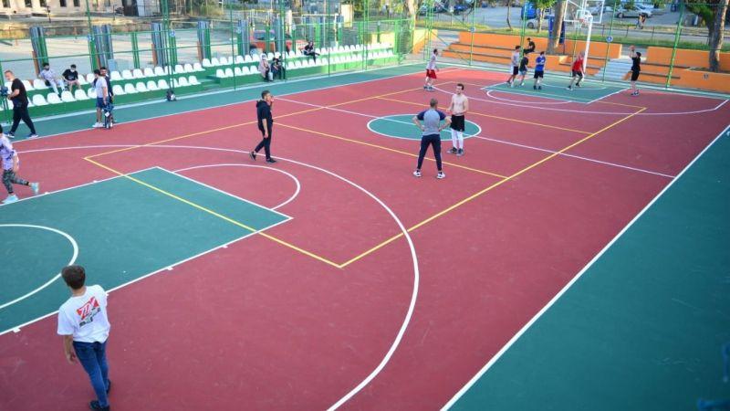 Bursa Büyükşehirden Mudanya'daki gençlere modern saha