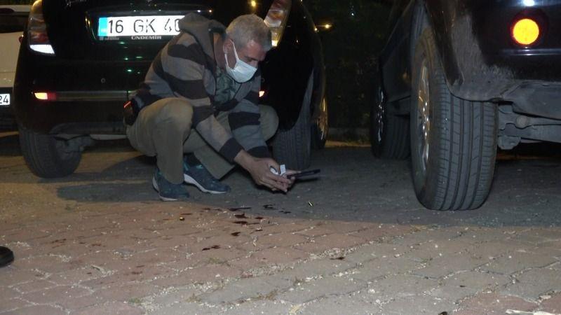 Bursa'da sevgilisine ve arkadaşına evinin önünde kurşun yağdırdı
