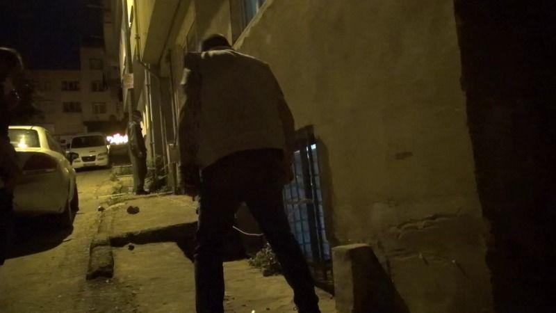 Bursa polisinden gece yarısı baskını