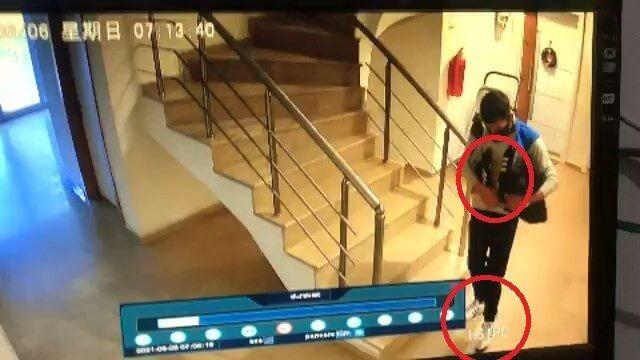 Bursa'da çaldığı ayakkabıların bir çiftini giydi, diğer çiftini cebine soktu