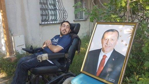 Bedensel engelli Emir'in Erdoğan sevgisi