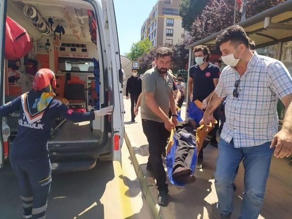 Bursa'da metroda tramvayın altına atladı
