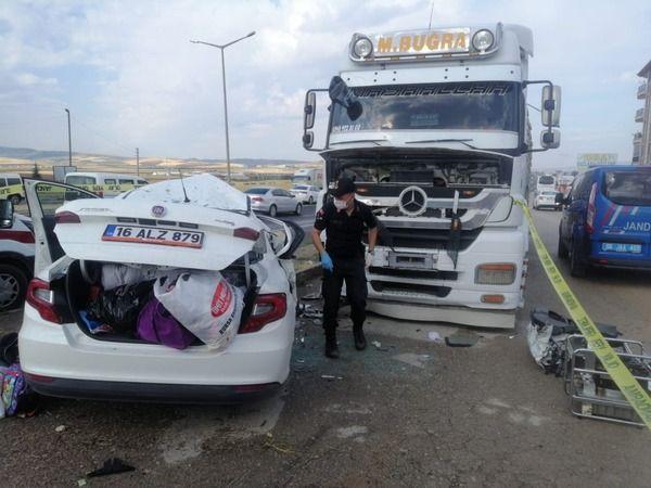 Ankara'da trafik kazası:2 ölü 2 yaralı