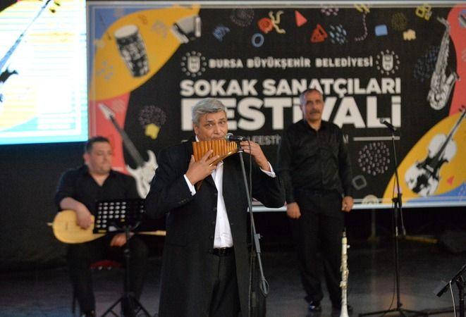 Bursa Büyükşehir Belediyesi'nden sokak sanatçılarına destek