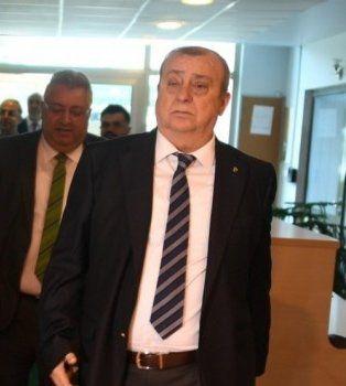 Bursaspor'da ilk aday Saffet Akarsu