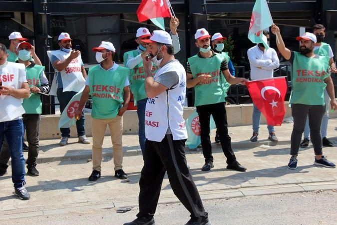 Bursa'daki Atılım Tekstil'de işten çıkartılan TEKSİF üyeleri fabrika önünde greve devam etti