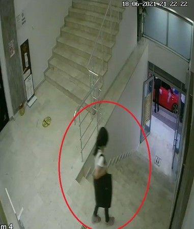 Bursa'da küçük kız düğün salonundan çanta çaldı
