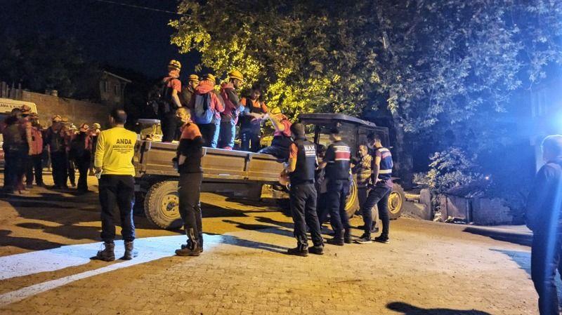 Bursa Mustafakemalpaşa'da kaybolan gencin cesedi ormanlık alanda bulundu