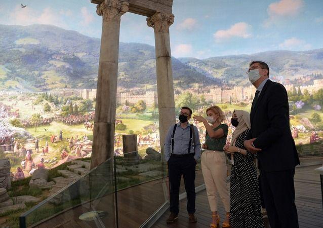 Osmangazi Belediye Başkanı Bosna heyetini Fetih Müzesi'nde ağırladı