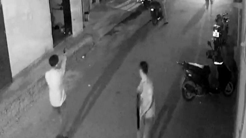Adana'da kurtarmak istediği abisini vurdu