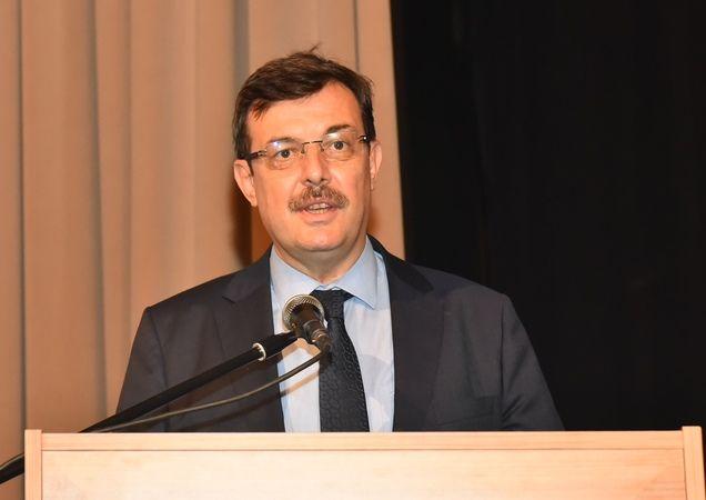 Büyükşehir Belediyesi'nin düzenlediği münazara yarışmasının şampiyonu belli oldu