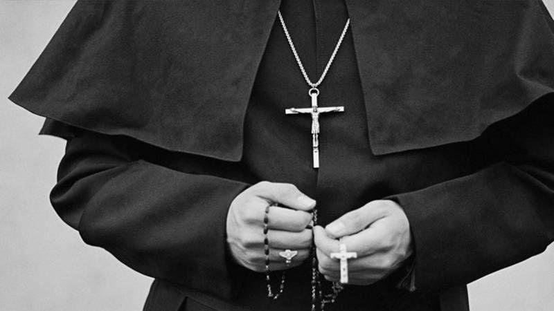 Yunan rahipten kezzaplı saldırı