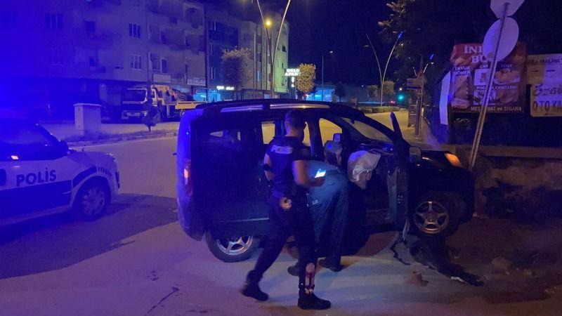 Bursa'da polisten kaçarken mezarlığa daldılar