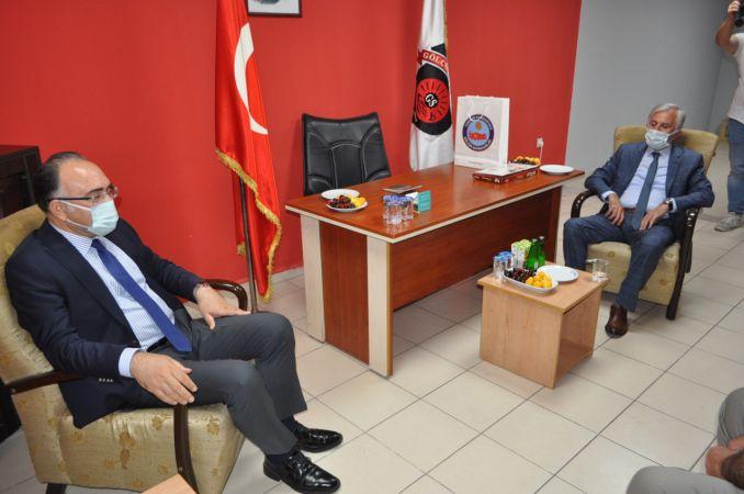 Cengiz Karabulut'tan Gölcükspor'a ziyaret