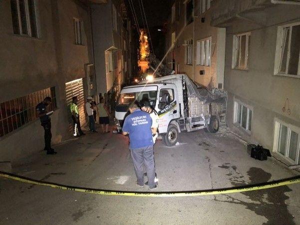 Bursa'da aşure dağıtan  kızın ölümüne neden olan sürücüye 4 yıl 5 ay hapis cezası