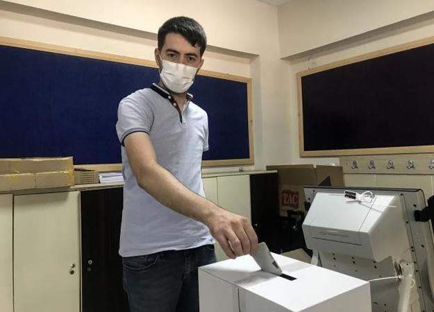 Bursa ve Eskişehir'de Bulgaristan vatandaşları,seçim için sandık başına gitti