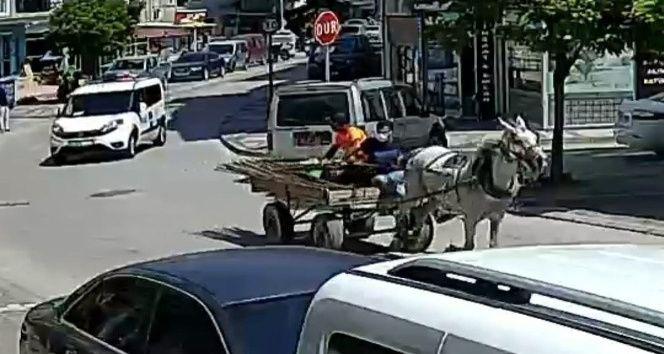Bursa İnegöl'de at arabasıyla polisten kaçtılar