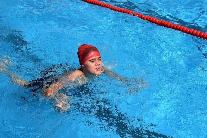 Yıldırım'da yüzme bilmeyen kalmasın, çocuklara ücretsiz eğitim verilecek
