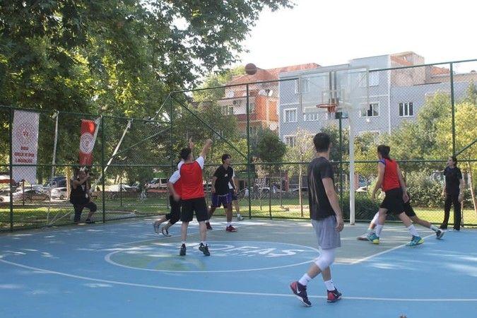Gürsu'da sokak basketbolu turnuvası sona erdi