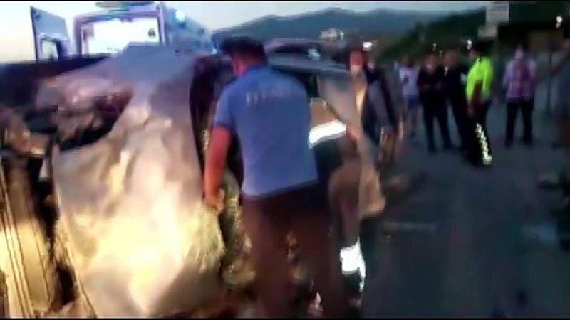 İstanbul-İzmir Otoban çıkışında korkunç kaza: 3 yaralı