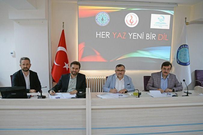 """Uludağ Üniversitesi'nde """"her yaz yeni bir dil"""" projesi başlayacak"""