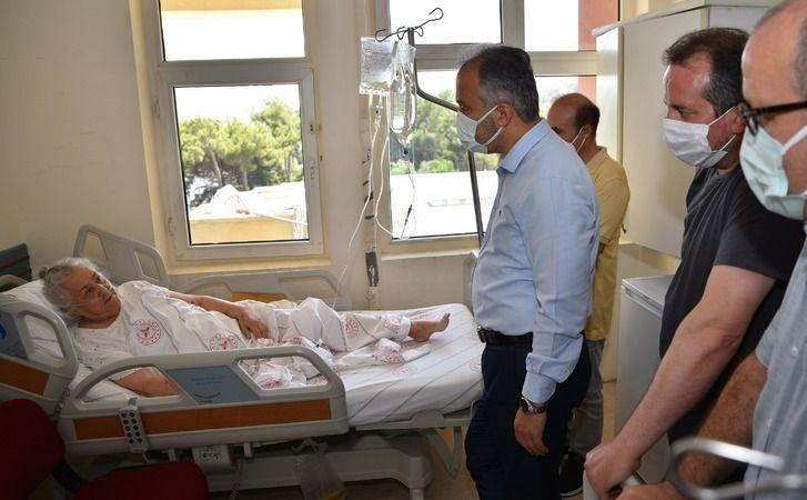 Bursa'dan önceki gün gönderilen 6 TIR dolusu yardım malzemesi ihtiyaç sahiplerine ulaştırılırken, bizzat Manavgat'a gidip, ihtiyaçlara yönelik yerinde
