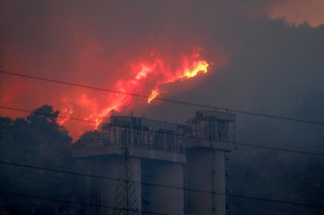 Alevler Milas'taki termik santrale sıçradı