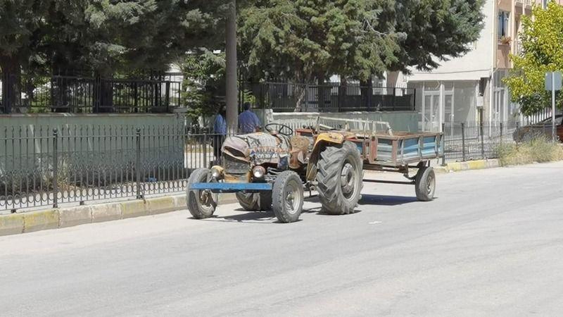 Bursa'da küçük çocuk traktörün altında kaldı