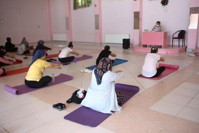 Nilüfer Belediyesi, Çalı Mahallesi'nde kadınlar için pilates eğitimi düzenledi. Eğitime büyük ilgi gösteren Çalılı kadınlar, haftada iki gün yapılan d