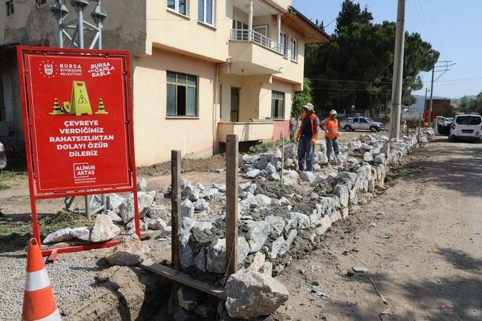 İznik'te mezarlıklar yenileniyor