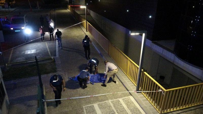 Bursa'da parkın ortasında ceset bulundu