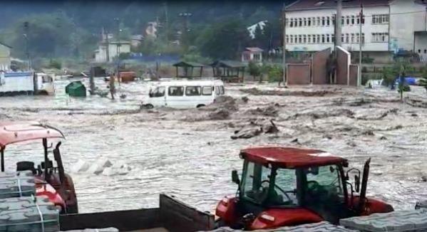 Kastamonu'da sel felaketi yaşanıyor